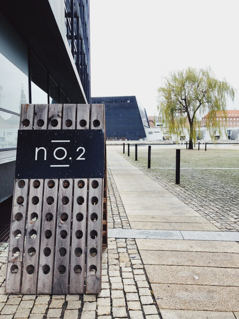 14. December: Middag for to inkl. vin og kaffe på No. 2. – Sneglcille